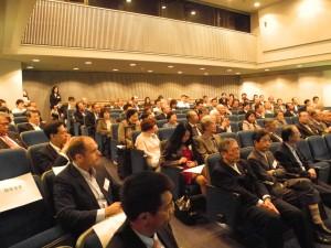 集まった聴衆